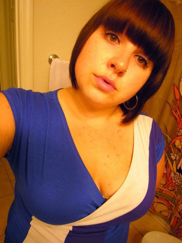 Marjorie ronde de 22 ans veut faire une rencontre coquine